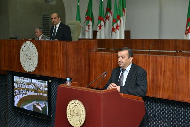 عرقاب قانون المحروقات يوفر الرفاهية للجزائريين