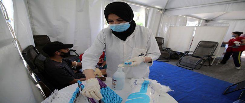 كورونا يواصل الزحف.. تسجيل أرقام قياسية للإصابات اليومية بالفيروس