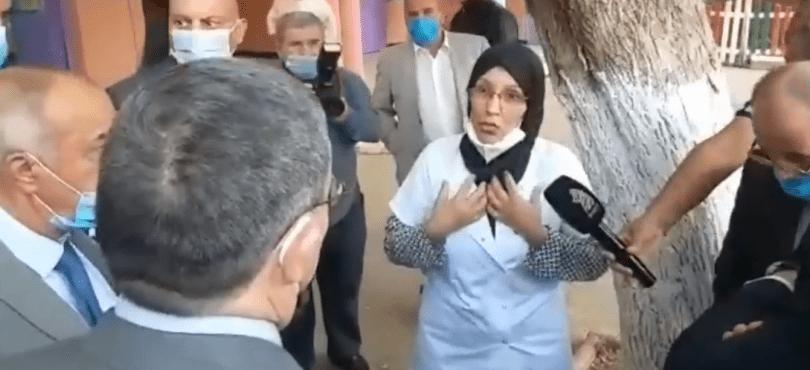 والي وهران يستقبل المعلمة سيديا مرابط