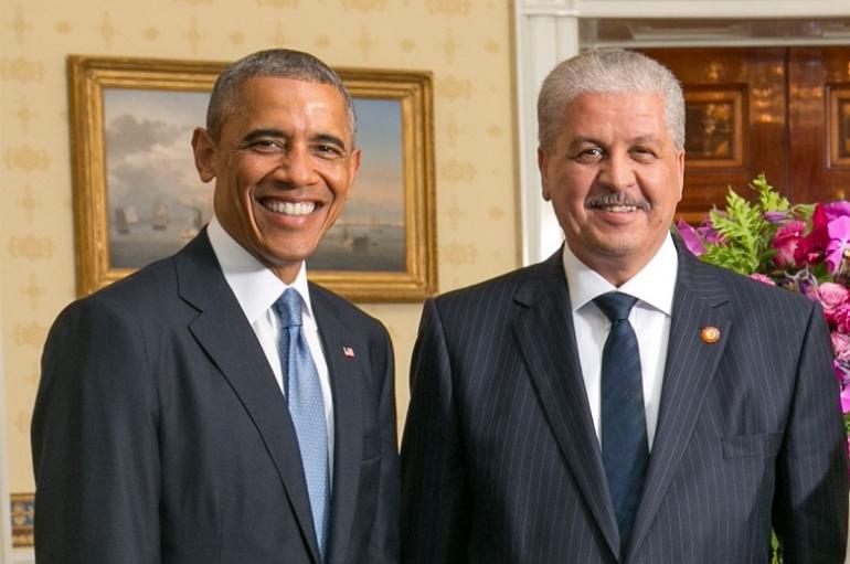 """أوباما يعود في كتابه """"أرض الميعاد"""" لأحداث الزيت والسكر في الجزائر"""