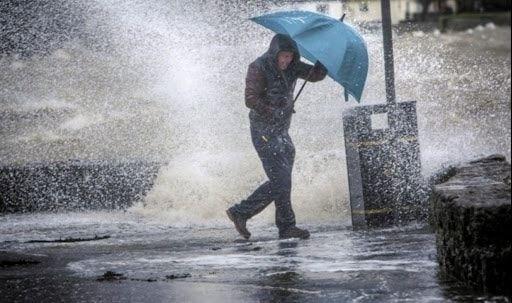 أمطار غزيرة بولايات عدة ابتداء من ليلة الأحد