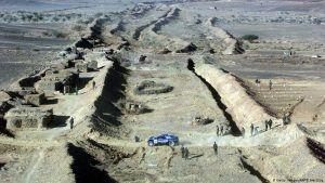 الجدار الحدودي في الصحراء الغربية بين المناطق الواقعة تحت سيطرة المغرب وتلك الواقعة تحت البولساريو